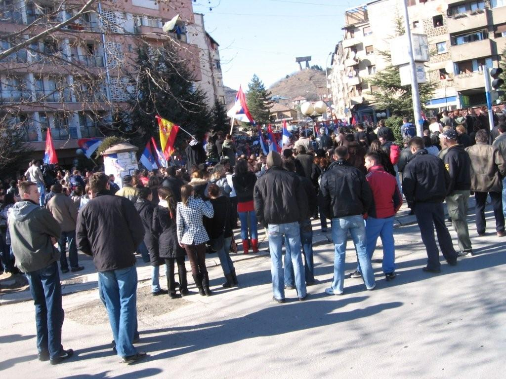 Serb demonstration in Mitrovica, Feb08 (Simon Roughneen)