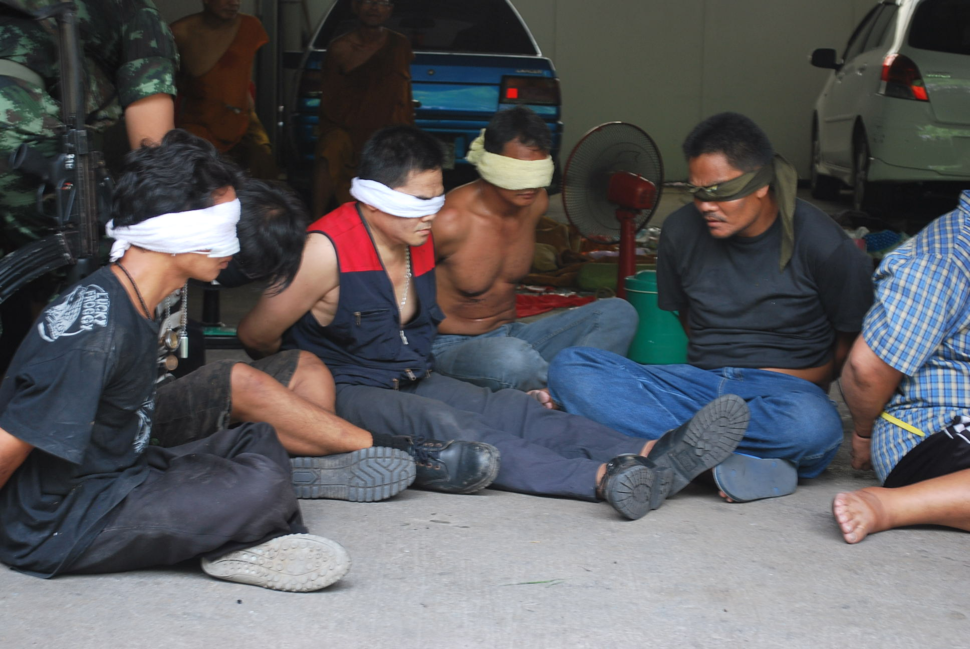Captured redshirts at Ratchadamri, taken as reporters took cover from grenade and gunfire (Photo: Simon Roughneen)