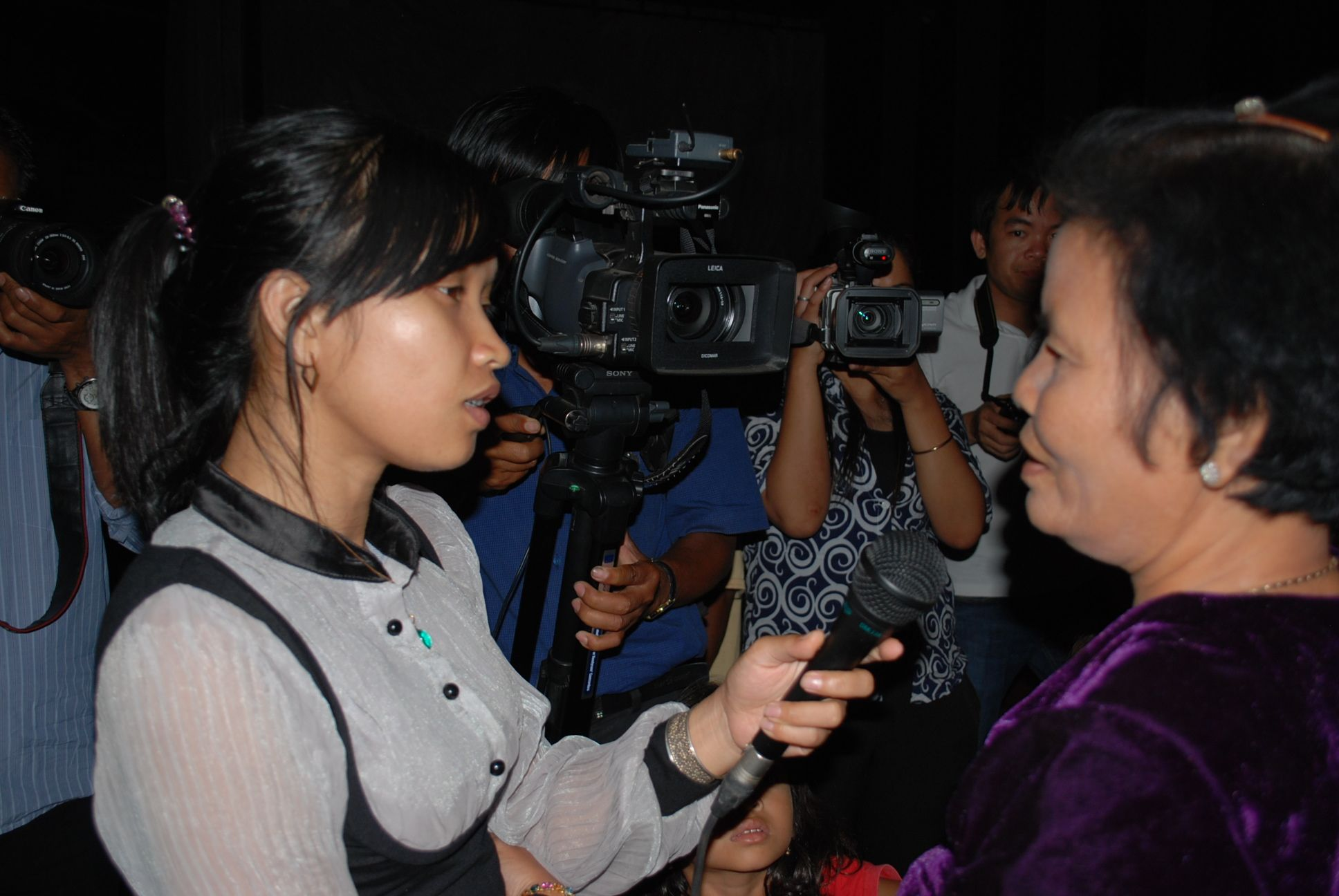 Interviewing Khmer Rouge survivors at Tik Panhao (Photo: Simon Roughneen)