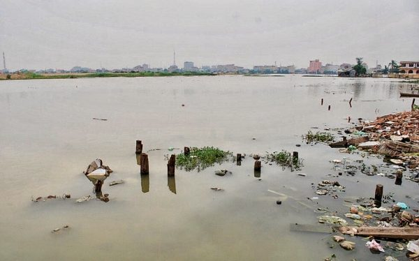 At the lakeshore. Boeung Kak in Phnom Penh (Photo: Simon Roughneen)
