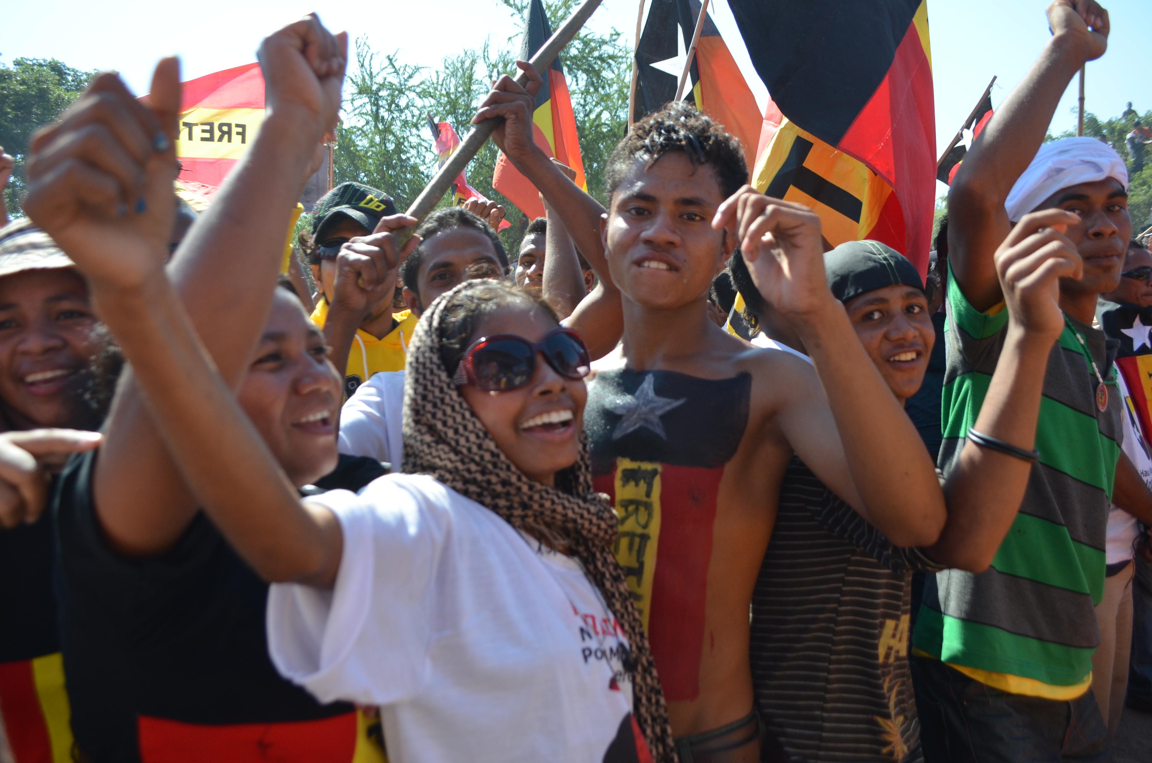 Fretilin supporters at party rally at Tasi Tolu on Tuesday (Photo: Simon Roughneen)