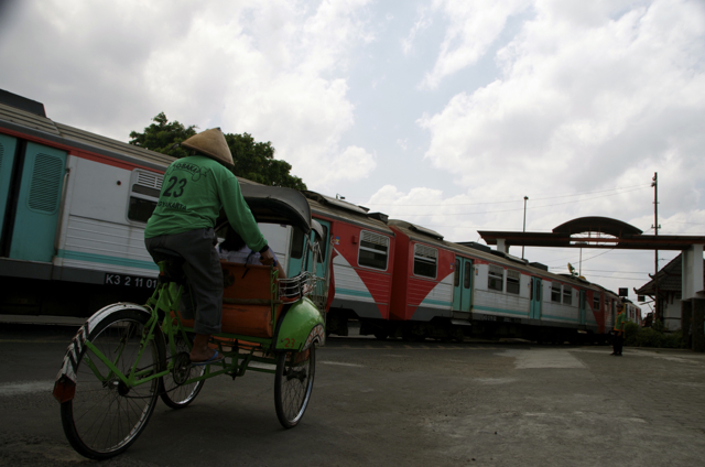 Outside the train station in Yogyakarta (Photo: Simon Roughneen)