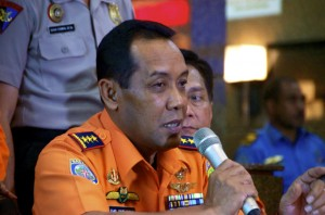 Fransiskus Bambang Soelistyo, head of Indonesia's search and rescue agency, updating media in early 2015 about the search mission for AirAsia flight QZ8501  (Photo Simon Roughneen)