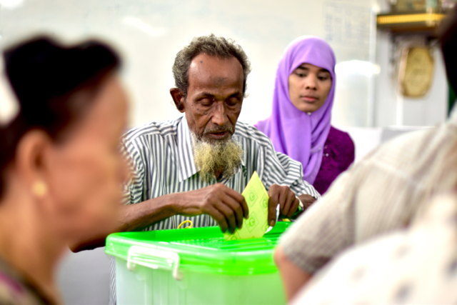 Muslim voters at Yangon polling station just after 6am on Nov. 8 (Photo: Simon Roughneen)