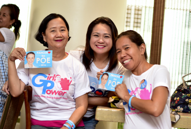 Representatives o the Gabriela women's rights group show their support for Philippine presidential candidate Senator Grace Poe (Photo: Simon Roughneen)