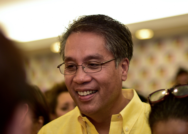 Mar Roxas among supporters on May 10 2016 after conceding to Rodrigo Duterte (Photo: Simon Roughneen)