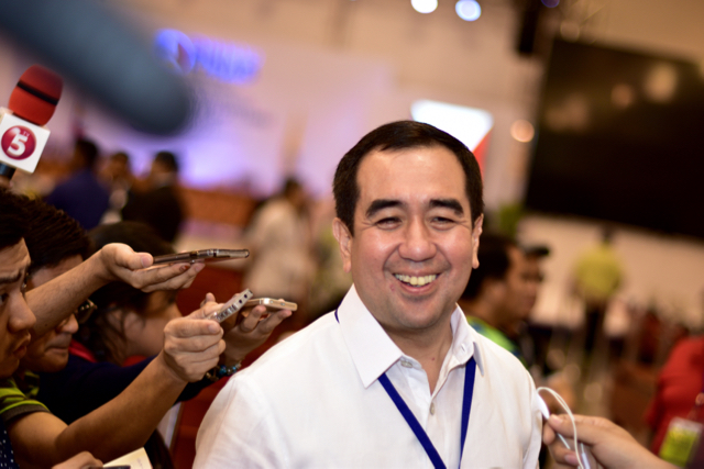 Andres Bautista, chair of the Philippine election commission, speaking to media on May 9 2016 iPhoto: Simon Roughneen)