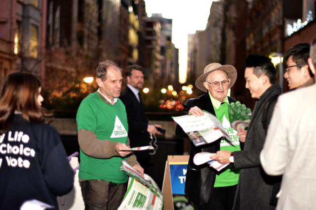 Party volunteers canvass voters outside Sydney Town Hall on July 1 (Photo: Simon Roughneen)