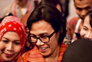 Indonesian Finance Minister Sri Mulyani Indrawati poses for selfies with well-wishers at the World Islamic Economic Forum in Jakarta on August 4 (Photo: Simon Roughneen)