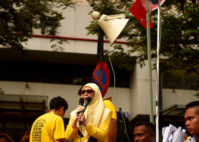 Wan Azizah Wan Ismail, wife of Malaysia's jailed opposition figurehead Anwar Ibrahim, speaks to protestors in Kuala Lumpur on Saturday afternoon (Photo: Simon Roughneen)