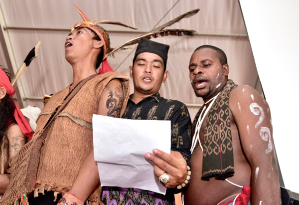 Delegates singing at the recent AMAN conference in Tanjung Gusto, north Sumatra (Photo: Simon Roughneen)