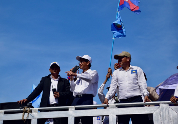 Opposition party spokesman Yim Sovann speaking to CNRP supporters on the morning of June 2 2017 (Photo: Simon Roughneen)