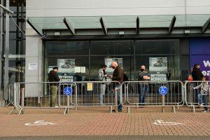Socially-distant queue to enter a shop in Sligo in the northwest of Ireland (Simon Roughneen)