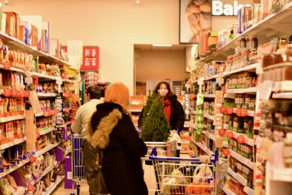 Inside an Irish branch of the British Tesco supermarket chain (Simon Roughneen)
